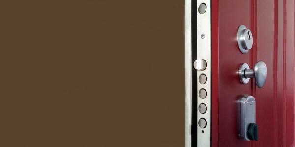 Cambio, sostituzione o trasformazione della serratura di porta blindata